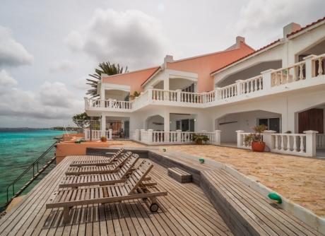 E.E.G. Boulevard 80B / 80I Bonaire